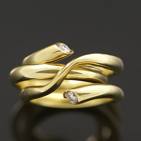 Georg Jensen Ring i 18kt guld med diamanter. - Magic